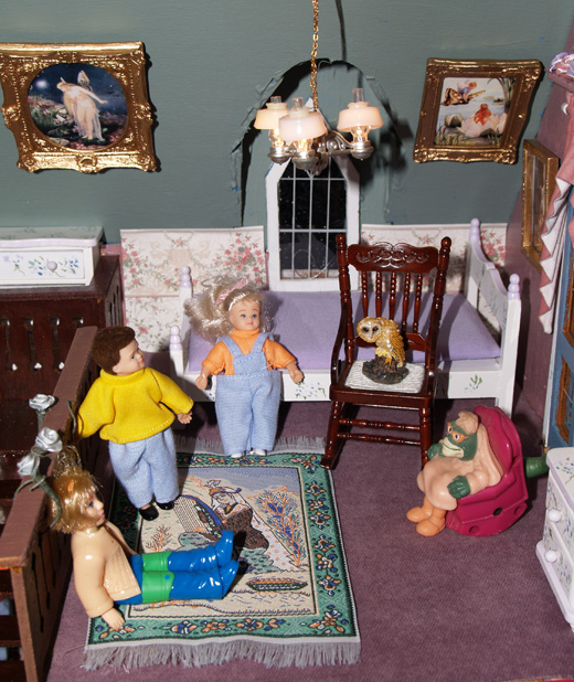 Story Room of the Salem Haunted Doll House